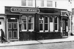 clinton_arms_4